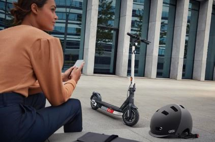 89A050001 AUDI KICK SCOOTER power by segway
